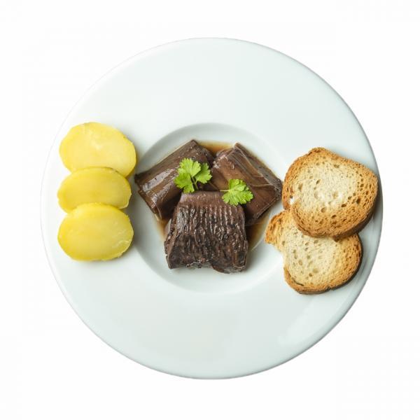 Lamproie a la bordelaise assiette detouree 1280x1280
